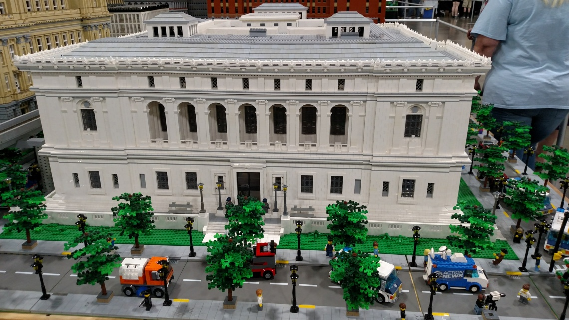 Lego Wayne County Building
