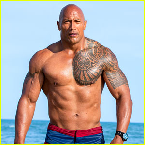 dwayne-johnson-jokes-about-baywatch-movie-bad-reviews